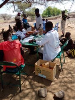 Récord de pacientes atendidos en nuestro dispensario de Turkana